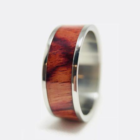Tulipwood ring