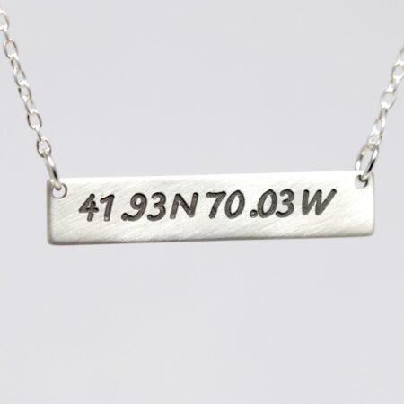 coordinate bar necklace